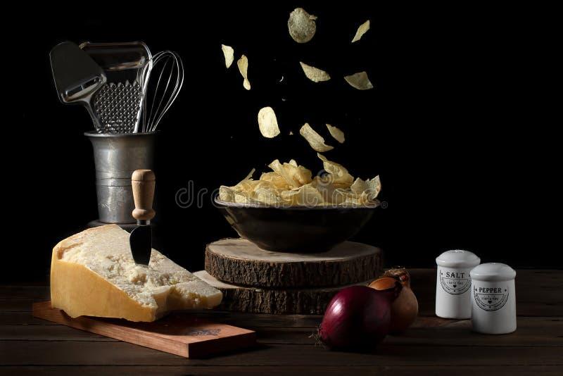 Aardappelchips vliegen stock afbeelding