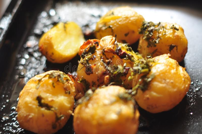 Aardappelen in de schil stock foto