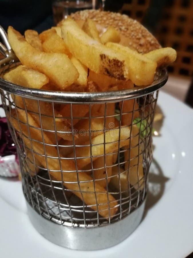 Aardappelgebraden gerechten stock afbeeldingen