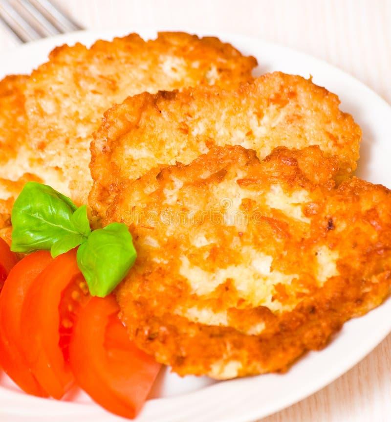 Aardappelpannekoek met kip royalty-vrije stock afbeeldingen