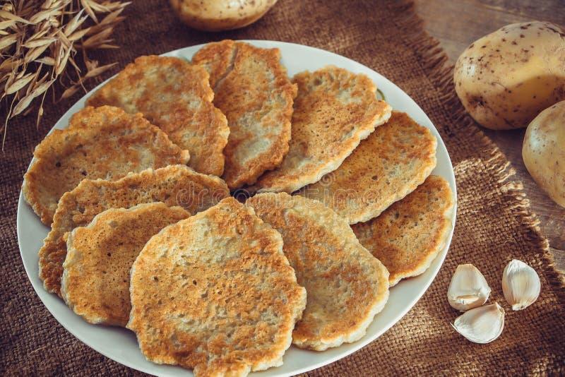 Aardappelpannenkoeken Het Nationale Wit Russische En Oekraiense Voedsel Stock Foto Afbeelding Bestaande Uit Gastronomisch Maaltijd 170344210