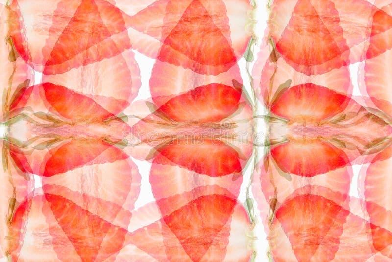 Aardbei abstracte achtergrond Patroon van plakkenaardbei Heel wat helder, is verse bessen van een aardbei royalty-vrije stock foto