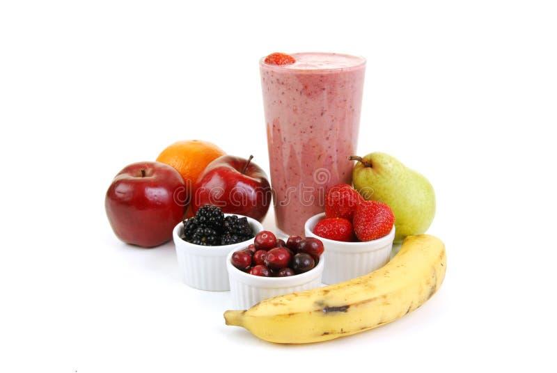Aardbei smoothie met vers fruit royalty-vrije stock fotografie