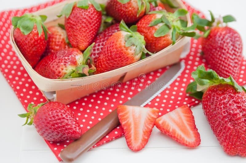 Download Aardbeien stock foto. Afbeelding bestaande uit heerlijk - 39107530