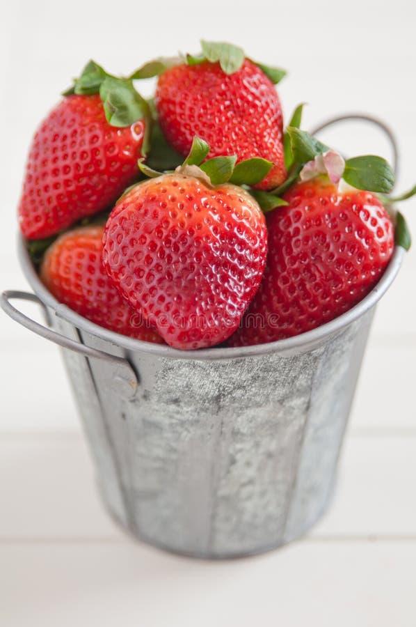 Download Aardbeien stock foto. Afbeelding bestaande uit ontbijt - 39107600