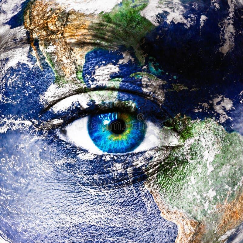 Aarde en menselijk oog stock foto