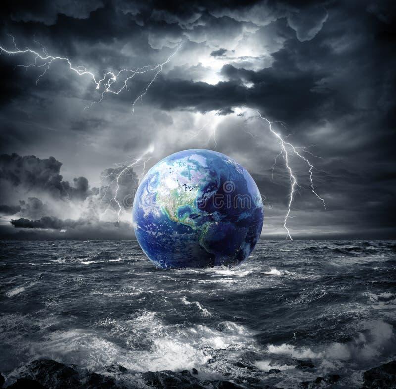 Aarde in het onweer royalty-vrije stock foto's