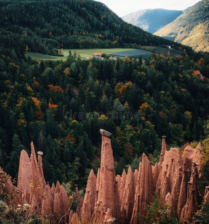 Aardepiramides in Zuid-Tirol, Italië royalty-vrije stock foto
