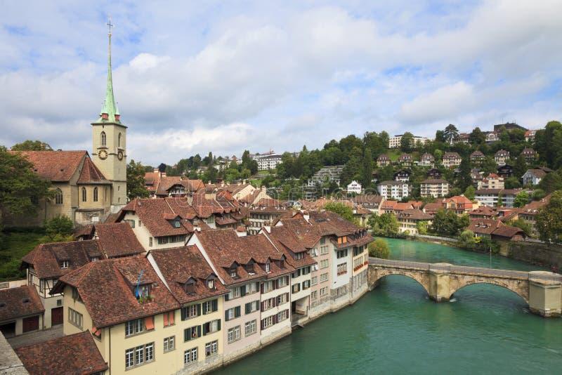 aare在河瑞士的伯尔尼桥梁 免版税图库摄影