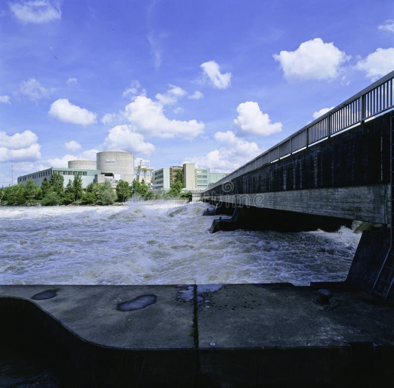 Aargau-Berichts-Schweizer Bezirk-Atomkraftwerk Leibstadt lizenzfreie stockbilder
