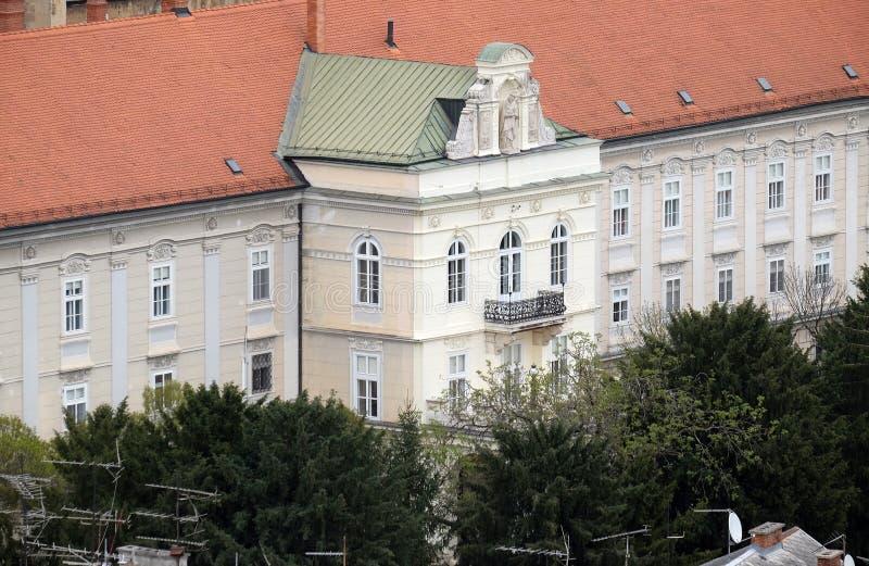 Aartsbisschop` s Paleis in Zagreb stock afbeeldingen