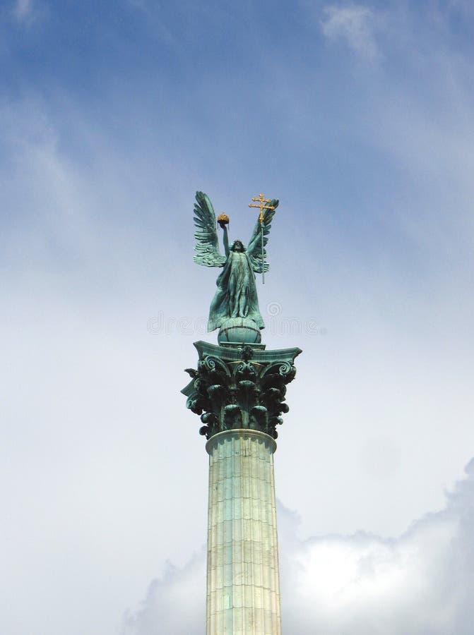 Aartsengel Gabriel - het Vierkant van Helden, Boedapest, Hongarije stock foto