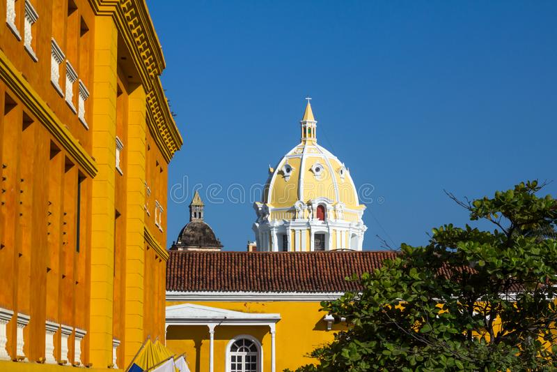 Abóbada amarela bonita de San Pedro Claver Church, Cartagena, colo imagem de stock royalty free