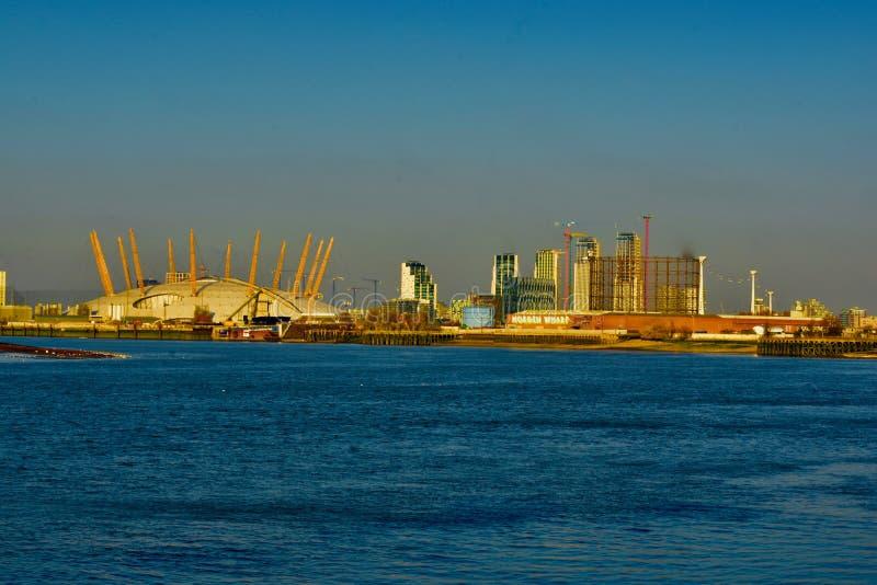 A ab?bada da arena do O2 de Londres fotografia de stock