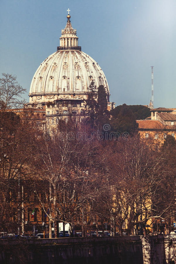 Abóbada da basílica de St Peter em Roma, Itália foto de stock royalty free