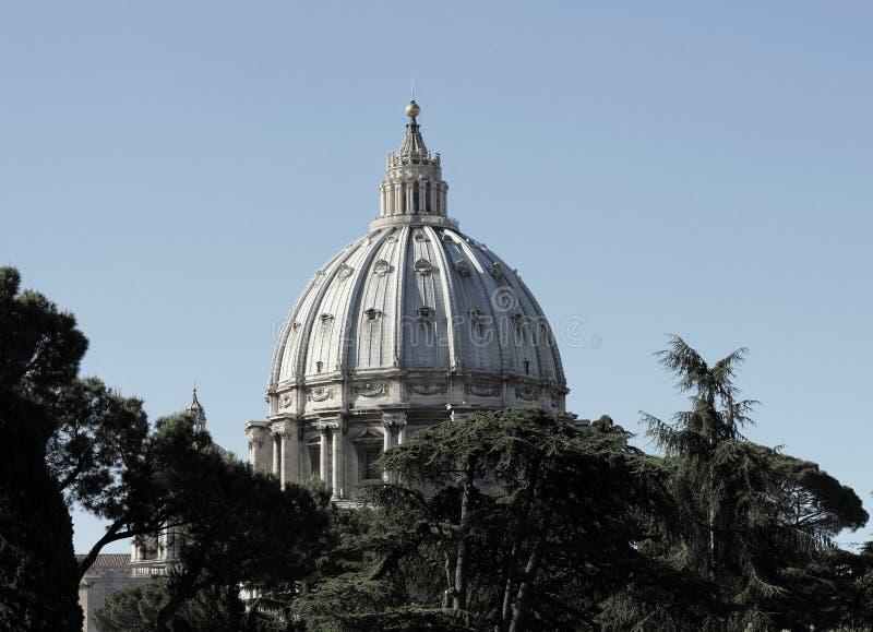 A abóbada da basílica papal de St Peter fotos de stock