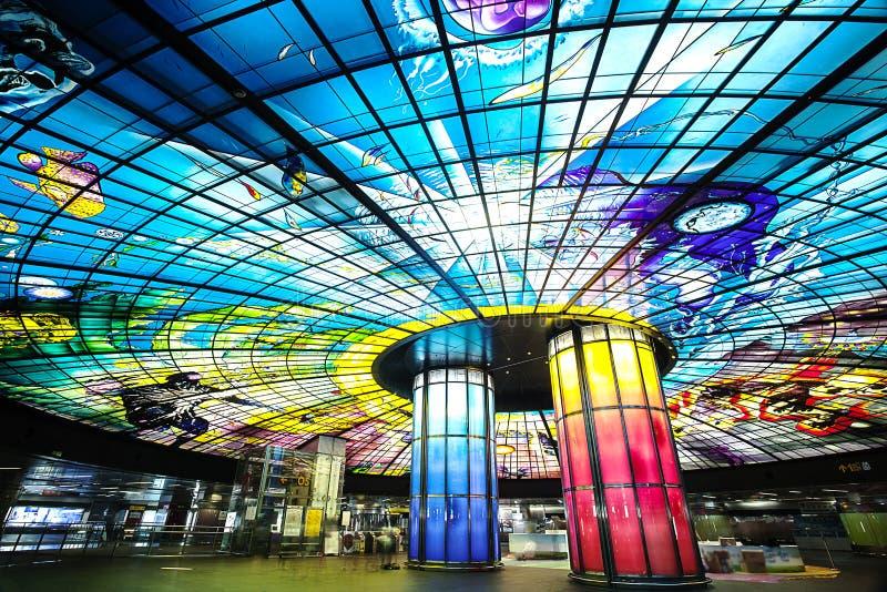 A abóbada da luz na estação do bulevar de Formosa imagens de stock royalty free