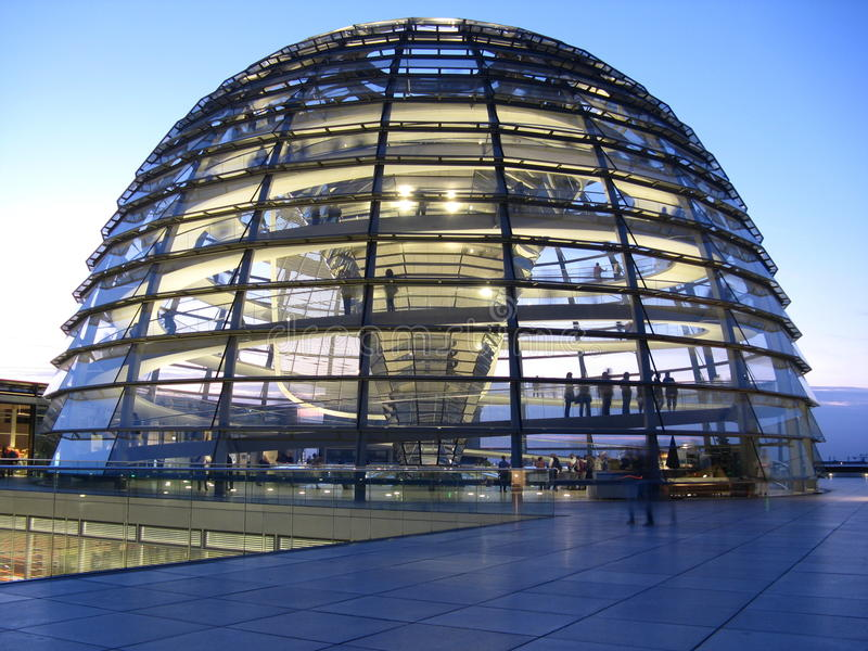 Abóbada de Berlim Reichstag imagens de stock royalty free