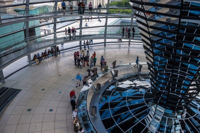 Abóbada de Reichstag, Berlim imagem de stock