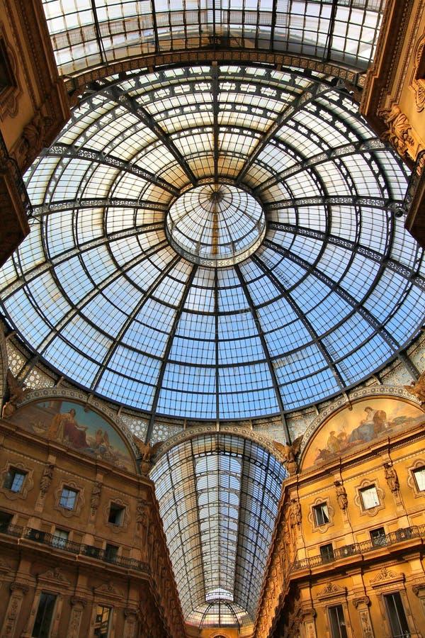 Abóbada de vidro de Milão imagem de stock royalty free