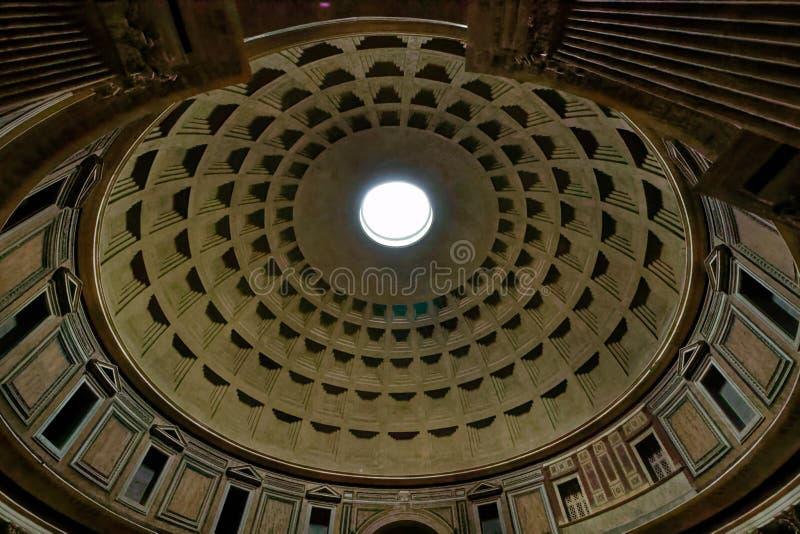 A abóbada do panteão em Roma foto de stock royalty free