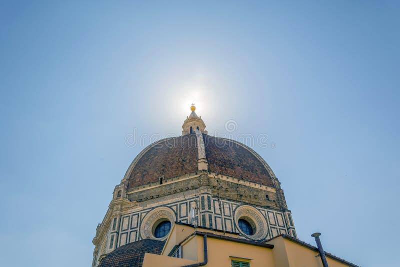 A abóbada famosa do ` s de Brunelleschi da catedral em Florença foto de stock royalty free