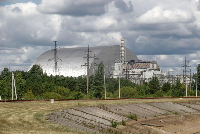 Abóbada sobre o reator 4 de Chernobyl imagens de stock royalty free