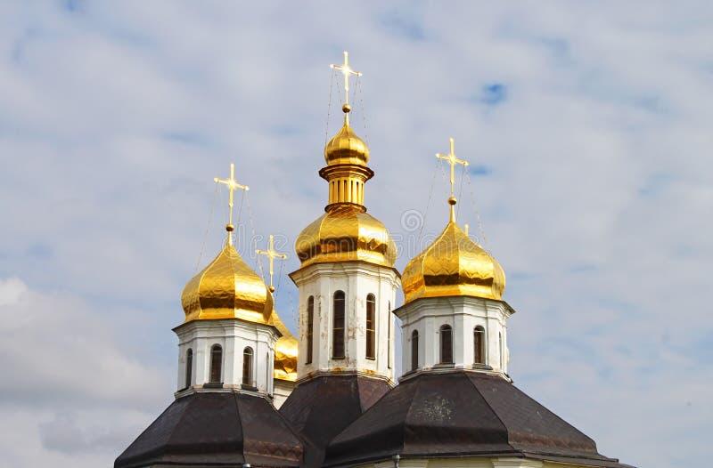 Abóbadas da igreja de Ekateriniska em Chernigov, Ucrânia imagens de stock royalty free