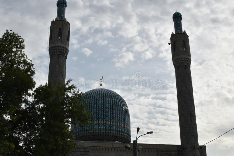 Abóbadas da mesquita velha em Rússia imagem de stock