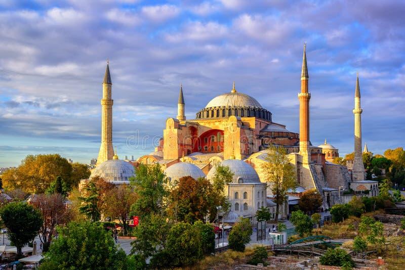 Abóbadas de Hagia Sophia e minaretes, Istambul, Turquia imagens de stock