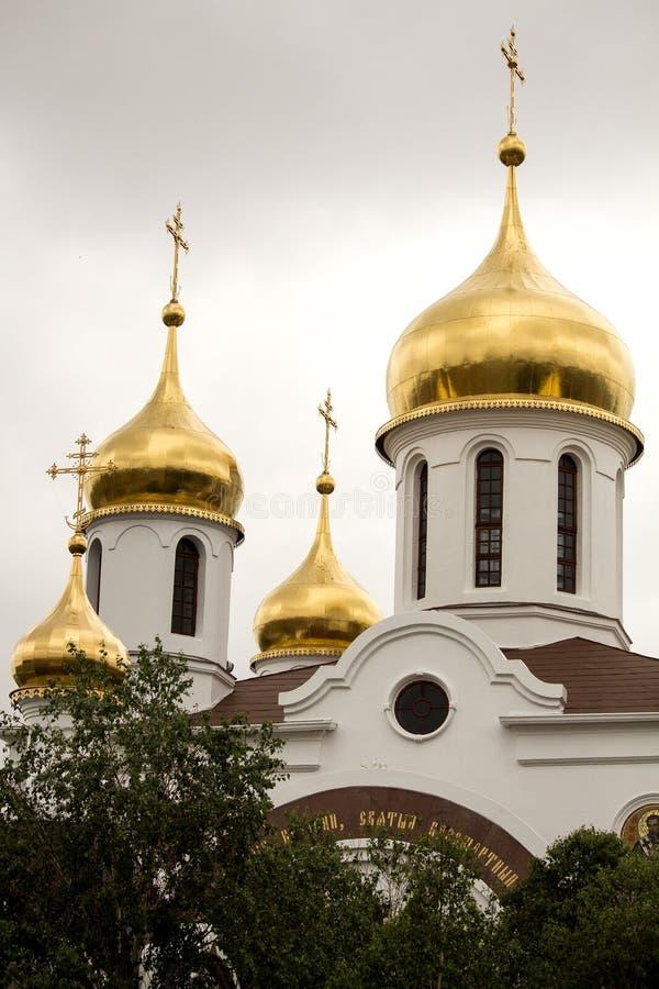 Abóbadas do ouro da igreja ortodoxa do russo África do Sul fotos de stock