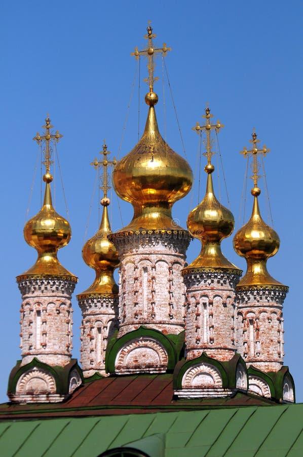 Abóbadas do ouro do Ryazan Kremlin foto de stock