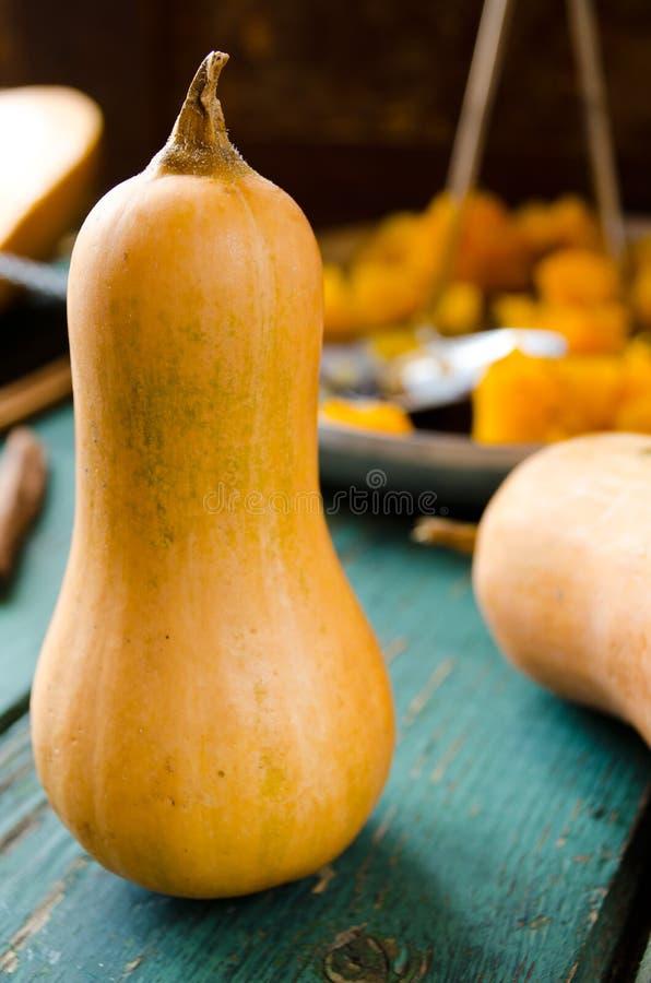 Abóbora cozida com especiarias e doce blackcurrent fotografia de stock royalty free