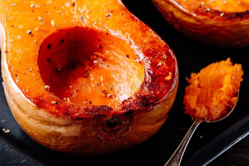 Abóbora cozida da polpa de butternut, ingrediente para uma sopa morna da queda fotografia de stock royalty free