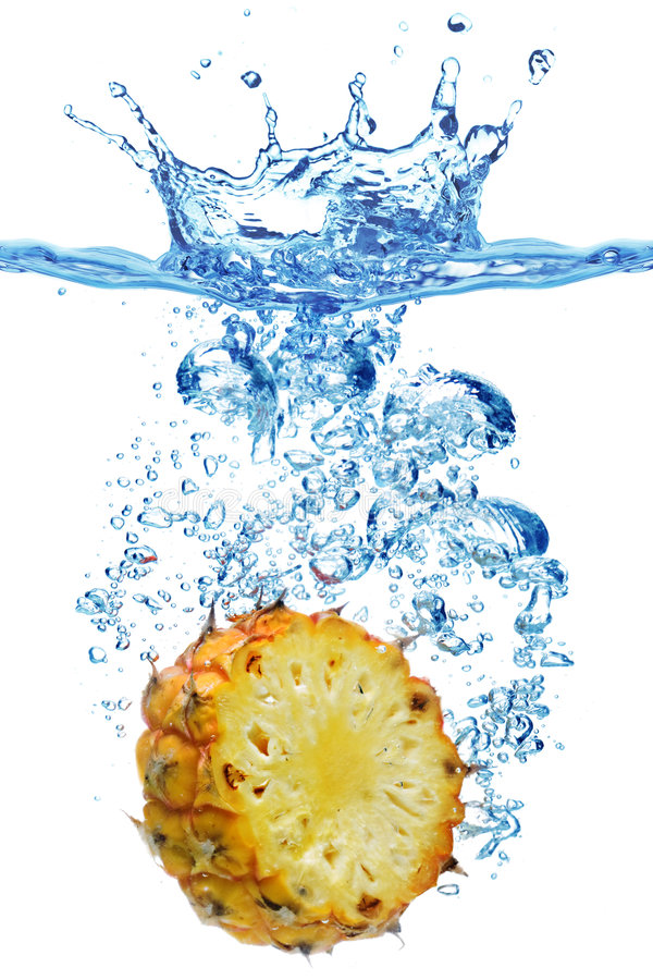 Abacaxi na água fotos de stock