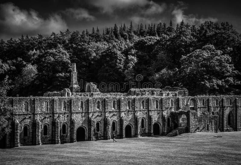Abadía de las fuentes en Yorkshire, Inglaterra imagenes de archivo