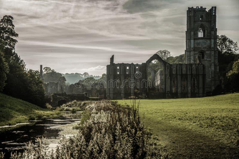 Abadía de las fuentes en Yorkshire, Inglaterra fotos de archivo