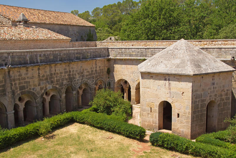 Abadía de Thoronet en Francia. imagen de archivo