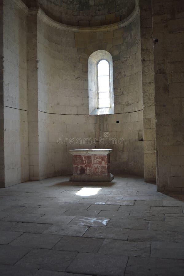 A abadia antiga de Montmajour fotografia de stock royalty free