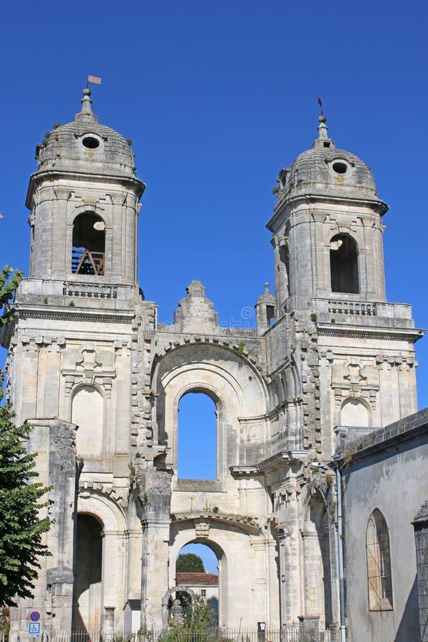 Abadia arruinada do ` Angely do St Jean D foto de stock