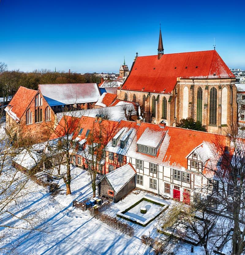 Abadia da cruz santamente, Rostock Alemanha em tempos de inverno fotografia de stock royalty free
