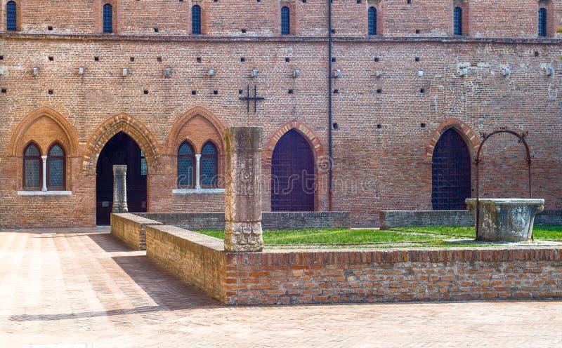 A abadia de Pomposa de Codigoro imagem de stock