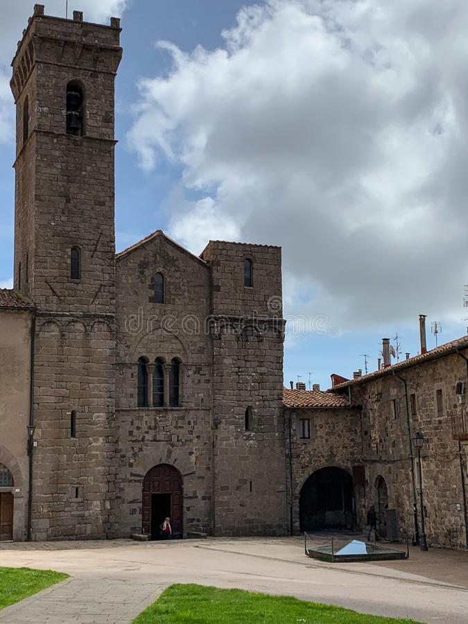 A abadia de San Salvatore ? a constru??o sagrado no estilo rom?nico em It?lia imagens de stock royalty free