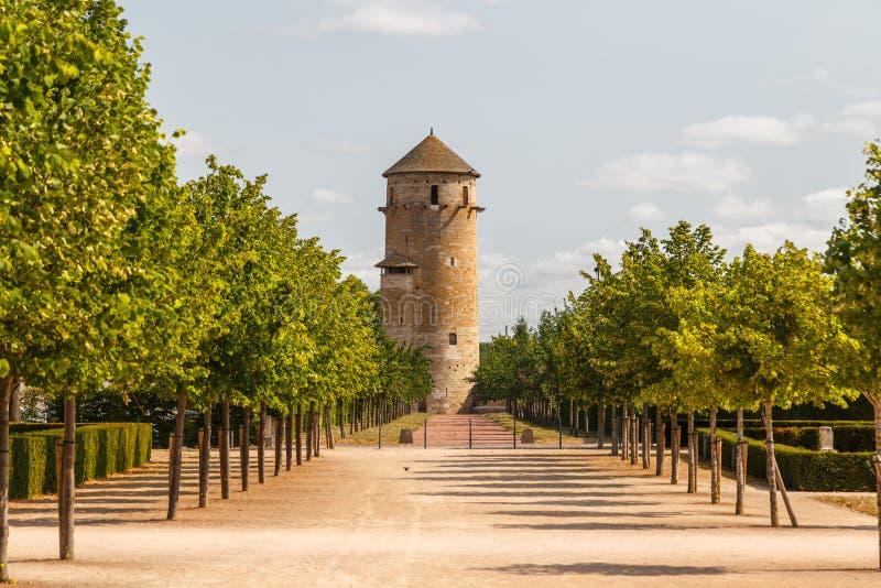 Abadia medieval no centro histórico da cidade de Cluny, França imagem de stock royalty free