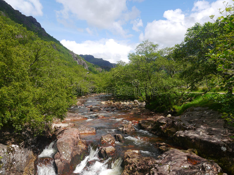 Abaissez les automnes Glen Nevis Scotland photos stock