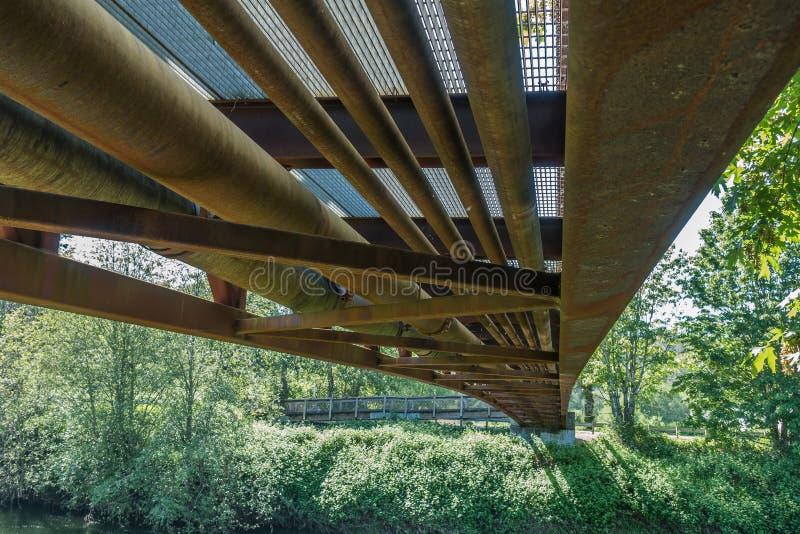 Abaixo da ponte 5 fotografia de stock royalty free