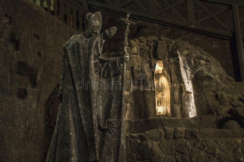 Abaixo de Salão de superfície figura o Polônia de krakow da mina de sal de Wieliczka fotos de stock royalty free