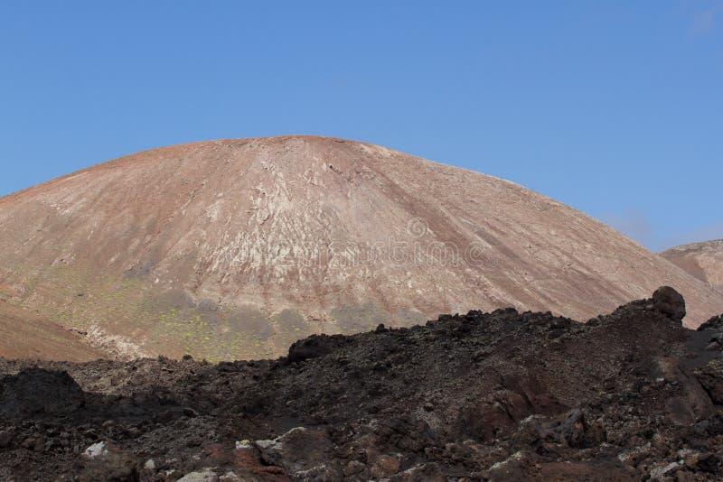 Abandone a paisagem vulcânica de pedra em Lanzarote, Ilhas Canárias fotografia de stock