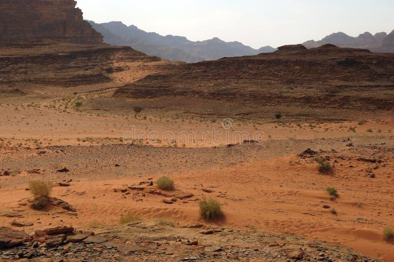 Abandone Wadi Rum chamado em Jordânia no Médio Oriente fotos de stock royalty free