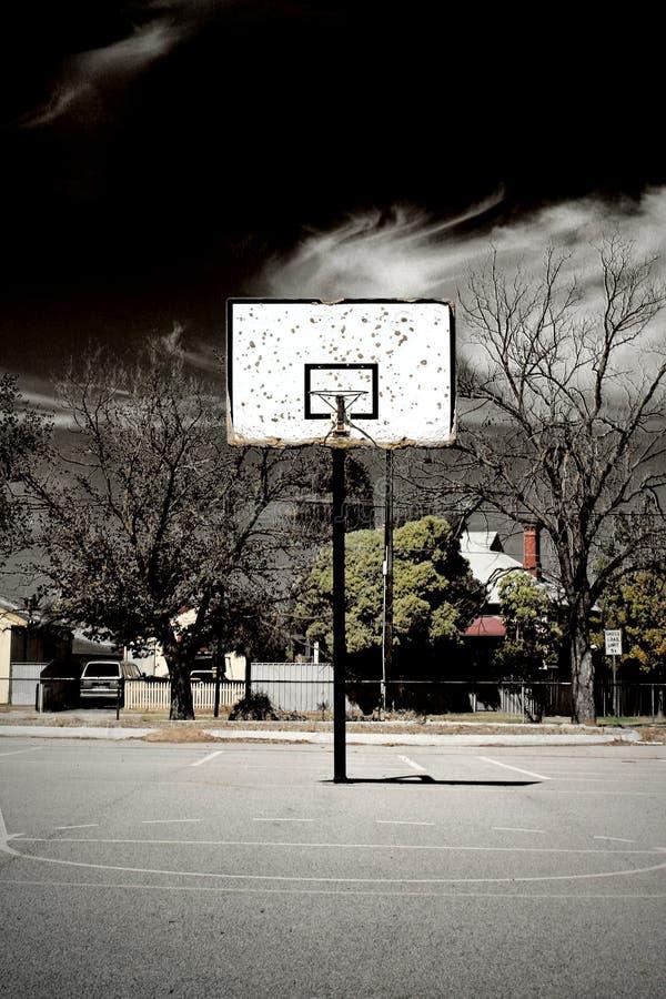 abandoned basketball court 库存图片